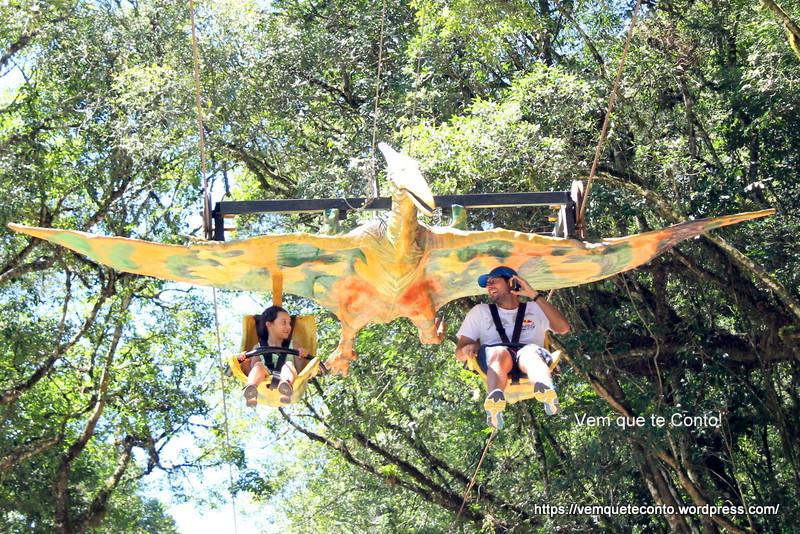 Voo do Piterodactilo - Parque Terra Mágica Florybal.