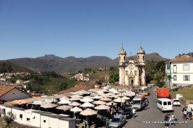 Feirinha e Igreja São Francisco de Assis - Ouro Preto/MG
